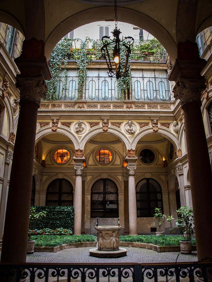 The in-yard, Milan